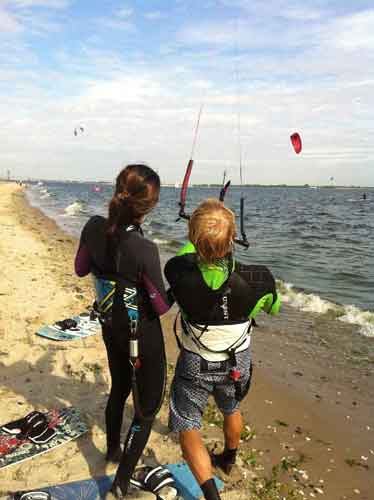 On a lesson with uKite.pro Plumb Beach kitesurfing class in New York